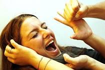 Domácí násilí, šikana a pronásledování. Ilustrační snímek.