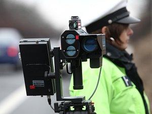 Pozor na rychlost. Policisté s radary budou měřit na 130 místech jižní Moravy