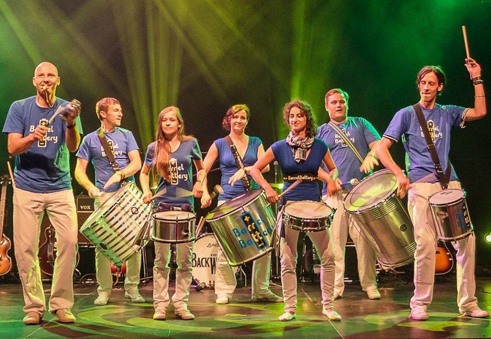 Lektoři akce: Léto tančí 2017 v Jablonci nad Nisou. Barrel Battery.