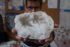 Výměnná a prodejní výstava drahých kamenů, minerálů zkamenělin a výrobků z drahého kamení proběhla 7. října  v Jablonci nad Nisou.