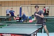 Přes čtyři sta hráčů stolního tenisu se utkalo v jablonecké Městské sportovní hale o postup na Mistrovství republiky.