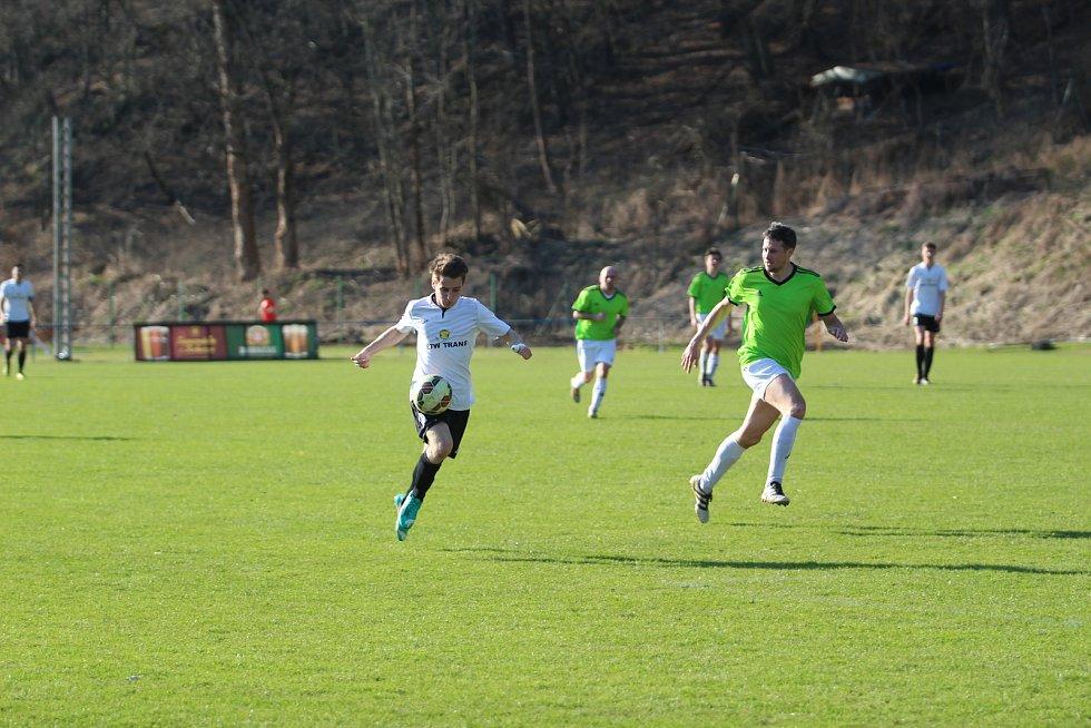 Krajský přebor. FK Železný Brod - SK Semily 4:0 (2:0). Brod - zelené dresy.
