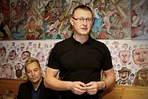 Starosta Smržovky Marek Hotovec, za ním krajský radní Marek Pieter