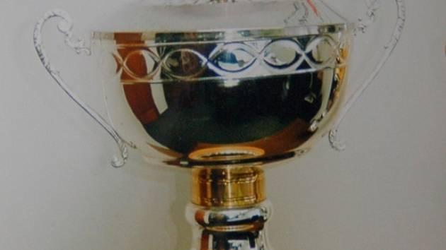 Trofej pro vítěze poháru ČMFS.