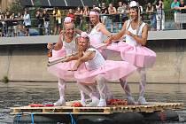 Neckyáda na Jizeře začíná v sobotu v 9.30. Na snímku Baletky při loňském ročníku.