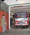 Chlouba sněhovských požárníků: vlastními silami generálně opravené hasičské auto