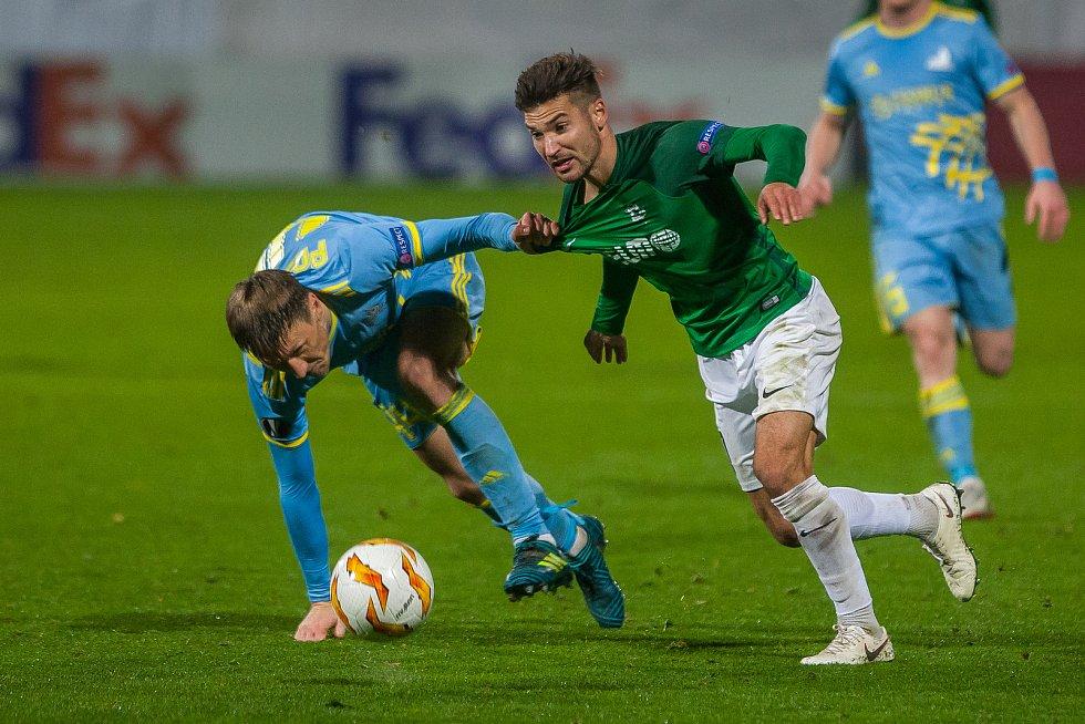 Zápas skupiny K Evropské ligy mezi týmy FK Jablonec a FC Astana se odehrál 25. října na stadionu Střelnice v Jablonci nad Nisou. Na snímku vpravo je Michal Trávník.