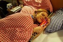Pst, Gábina a hůlky spí...