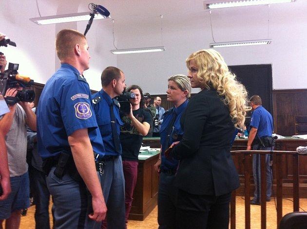 Jana Nagyová u soudu v Praze
