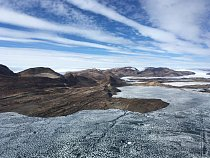 Japonská antarktická expedice trvá dva roky.