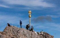 Nejvyšší bod – svrcholovým křížem.