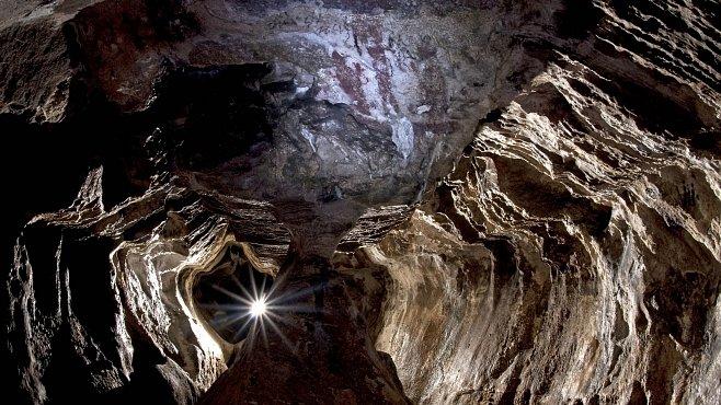 Jeskyně Na Špičáku: Chodby ve tvaru srdce modelovaly vody ledovce
