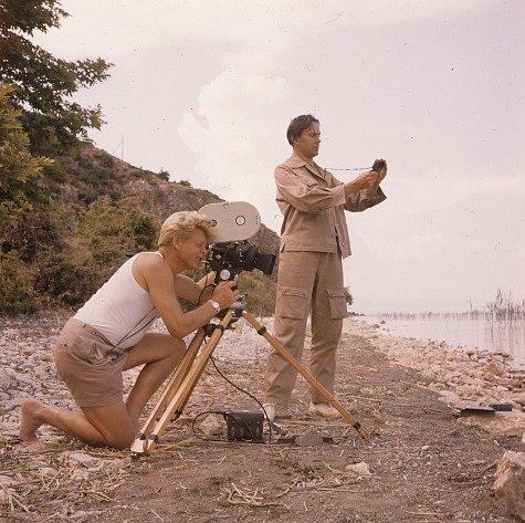 Natáčení v Albánii na břehu Pogradeckého jezera, květen 1959.
