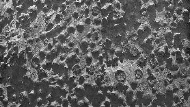 Podivné borůvky na Marsu. Záhada, před kterou jsou vědci bezmocní
