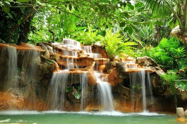Zhruba čtvrtinu území Kostariky tvoří národní parky a jiná chráněná území.
