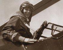 Legendární americké pilotka Amelia Earhatr se nesmazatelně zapsala do historie létání.