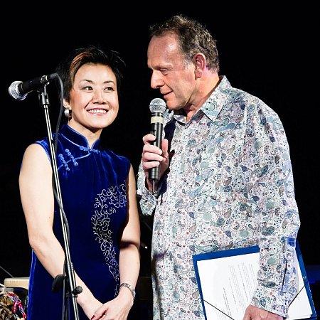 Zakladatelka festivalu Feng-yűn Song a duchovní kmotr projektu Jaroslav Dušek