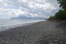 Některá místa na ostrově Flores mohou připomínat Indonésii z doby dávno minulé.