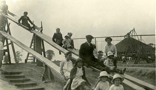 Dětská hřiště před 100 lety neexistovala. Vymyslel je tento muž