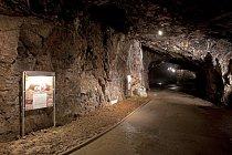Expozice v jeskyni vás seznámí s její pohnutou minulostí.