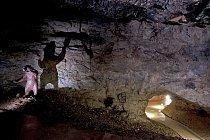 V minulosti se v jeskyni těžili fosfátové hlíny. V té době byly zvětšeny profily prostor a badatelé objevili paleontologické nálezy koster jeskynních medvědů a lvů.