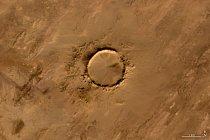 Písmeno O – Kráter po meteoritu v Mauritánii