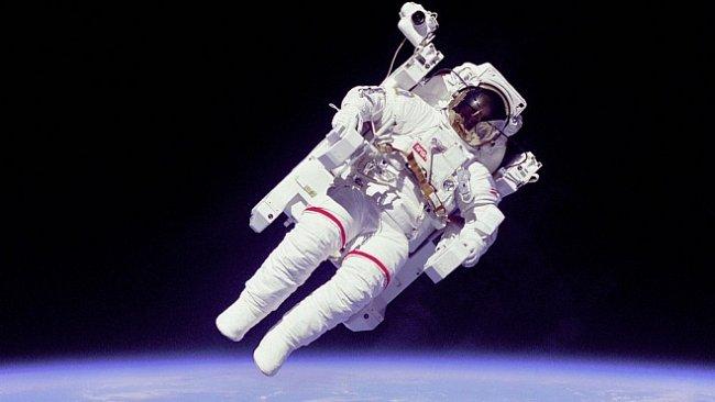 Jak se stát kosmonautem? Do vesmíru se může podívat každý z nás