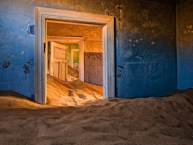 Kolmanskop v poušti Namib