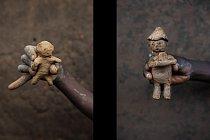 Panenka od Basira (vlevo) a panenka, kterou vytvořil desetiletý Abudui Ino.
