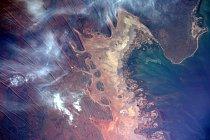 Překrásný terén severozápadního australského pobřeží z hledáčku astronauta NASA Jeffa Williamse.