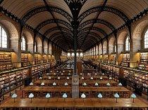 Kolem dvou milionů dokumentů ze všech vědeckých oblastí uchovává státní knihovna Bibliothèque Sainte-Geneviève v Paříži, která byla vystavěna v letech 1843 až 1851 pod vedením architekta Henri Labrousta.