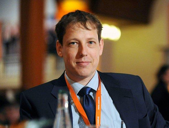 Stanislav Gross na vrcholu politické kariéry vroce 2004, následoval poměrně rychlý pád.