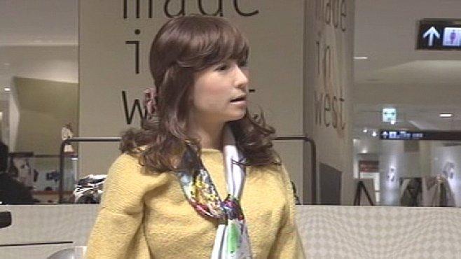 VIDEO: Robot, nebo člověk? Poslední japonský humanoid je od živých lidí k nerozeznání