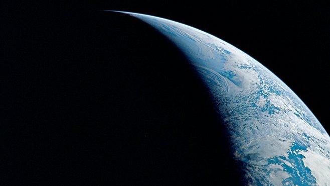 Na Zemi je až čtyřikrát více vody než ve všech oceánech dohromady