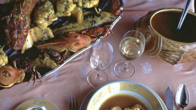 Polévka bohů: bujabézu dřív jedla chudina, dnes je pokrmem vyvolených
