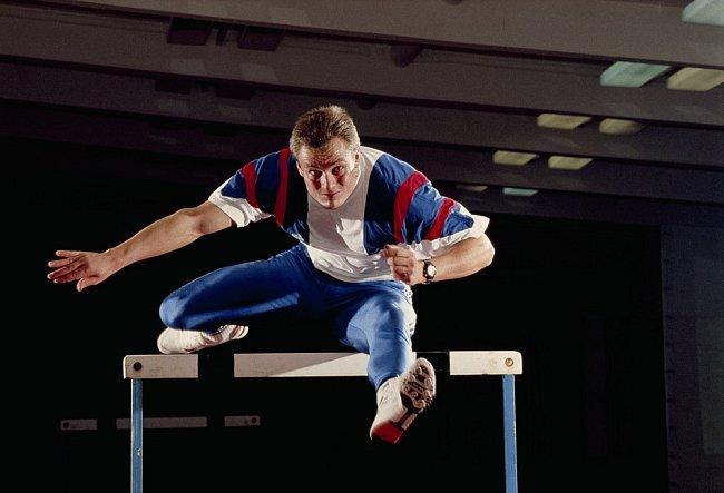 Český superhrdina Robert Změlík, držitel zlaté medaile v desetiboji z roku 1992, trénuje v Praze a chystá se na příští olympijské hry.