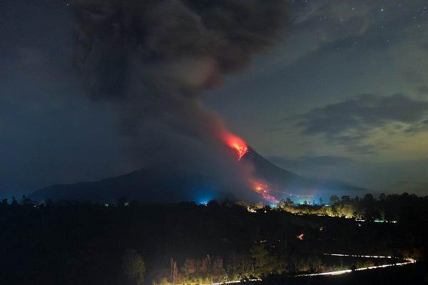 Sinabung na ostrově Sumatra má na svědomí už několik životů