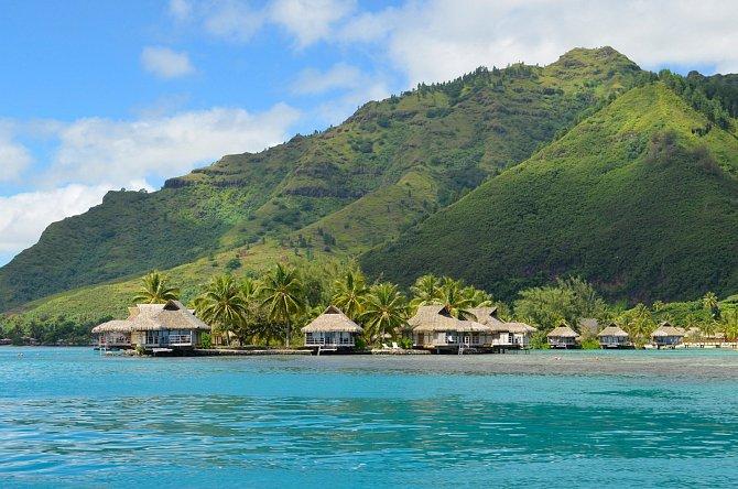 Ostrov Moorea je vzdálen pouhých 17kilometrů severovýchodně od Tahiti.