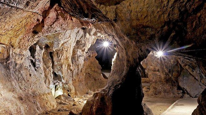 Mladečské jeskyně: Rituální pohřebiště nejstarších lidí moderního typu