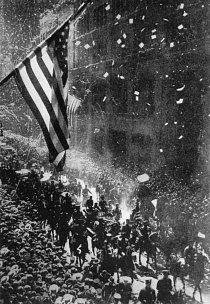 V New Yorku se 13. června 1927 konala bombastická přehlídka na Lindberghovu počest.