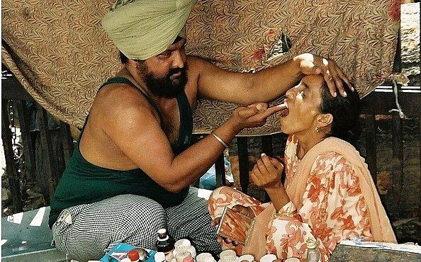 Zubaři na indické ulici, to je fakt zážitek. Bolest přejde sama