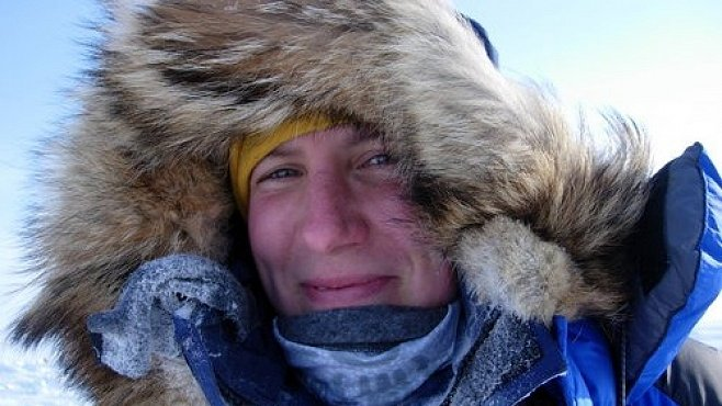 První žena na světě přešla Antarktidu. A jak to dokázali její předchůdci?