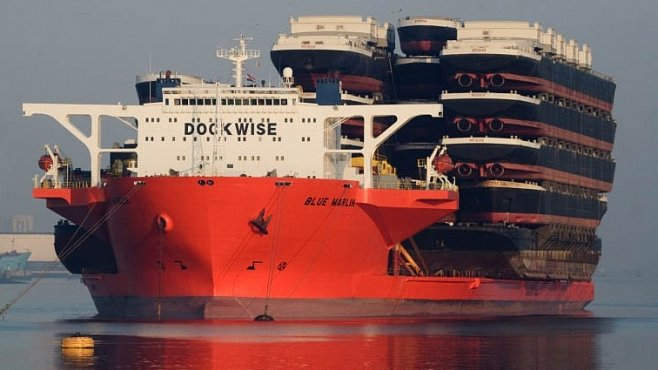 Monstrum oceánů: Loď, která unese dalších 22 lodí