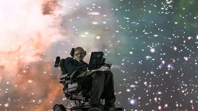 Stephen Hawking bude hledat odpovědi na zásadní otázky: Kdo jsme? Proč jsme tady? A jsme ve vesmíru sami?