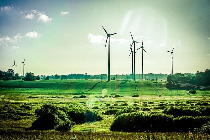 Vítr a sluneční svit jsou podle Jacobsona jediné dvě formy energie, které teoreticky mohou pohánět celý svět.