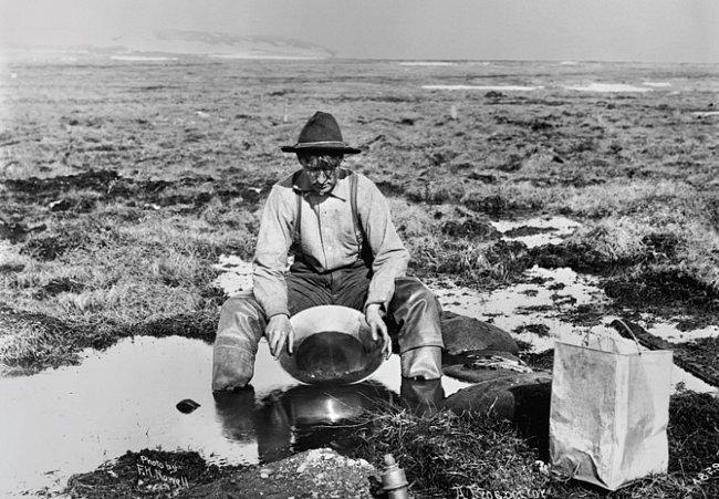 Zlatá horečka poprvé zachvátila Yukon v devadesátých letech 19. století.