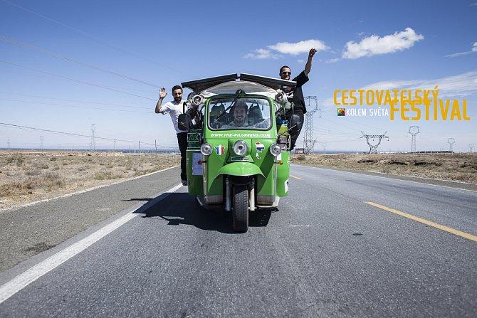 Pilgreens, jak sami sebe nazývají, ukázali na možnost ekologického cestování a se svými zkušenostmi se podílejí na univerzitách po celém světě. Snaží se tak ukázat, že elektrická energie je klíčem klepšímu životu pro celý svět.
