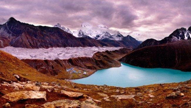 OBRAZEM: Pozoruhodná panoramata z Bolívie, Kyrgyzstánu nebo Nepálu