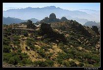 Pohoří Haraz s poutním místem Al-Chotejb.
