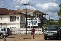 Krvavé diamanty jsou symbolem války v Sierra Leone.